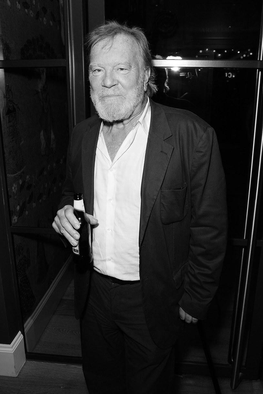"""Brytyjski aktor Nicky Henson (""""Hotel Zacisze"""","""" EastEnders"""") zmarł w wieku 74 lat po wieloletniej walce z rakiem."""