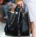 Sprzątaczce Gazpromu skradziono torebkę Diora wartą... cztery tysiące dolarów (albo 26 tys.)