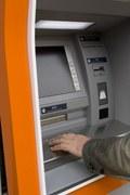 Chcesz ponad 1 tys. zł z bankomatu? Uważaj!