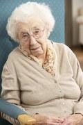 Dług seniorów rośnie, a oszczędności brakuje