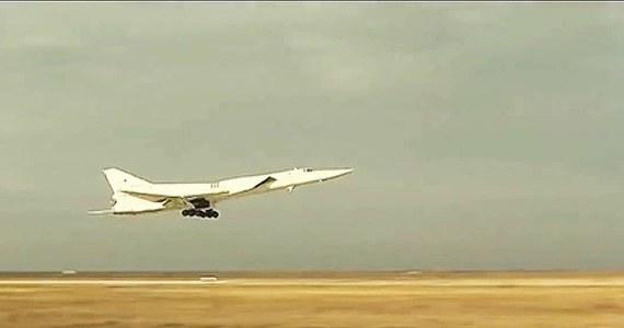 Rosyjski bombowiec Tu-22 lądował awaryjnie pod Astrachaniem. Ponaddźwiękowy samolot - mogący przenosić rakiety i bomby - lądował w polu. Przyczyną była awaria jednego z silników.