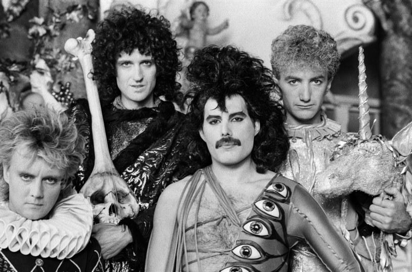 """Muzycy grupy Queen zaprezentowali animowany teledysk do swojej świątecznej piosenki """"Thank God It's Christmas"""". W 1984 roku, w okresie Bożego Narodzenia, utwór ten przez sześć tygodni utrzymywał się na brytyjskiej liście przebojów."""