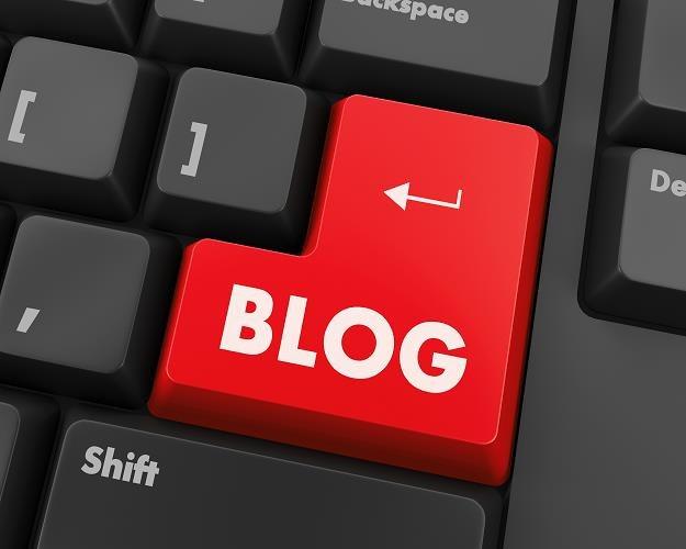 Bloger może zaliczyć do kosztów podatkowych wydatki na buty czy hotele.  Musi tylko przestrzegać kilku zasad - Biznes w INTERIA.PL