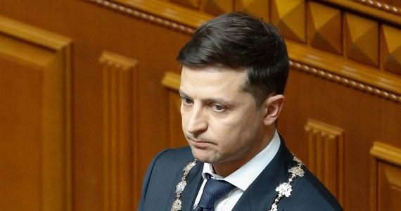 Od 2010 roku Ukrainę opuściły prawie 4 miliony osób, które zdecydowały się pozostać za granicą - oświadczył minister gabinetu ministrów Dmytro Dubiłet. Prezydent Zełenski zapowiedział realizację programu, którego celem ma być zachęcenie Ukraińców do powrotu i pozostania w kraju.