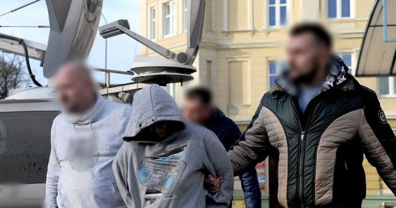 Sąd podjął decyzję o areszcie tymczasowym dla 17-latka podejrzanego o zamordowanie rok młodszego Sebastiana - ustaliła reporterka RMF FM. Grozi mu 25 lat więzienia.