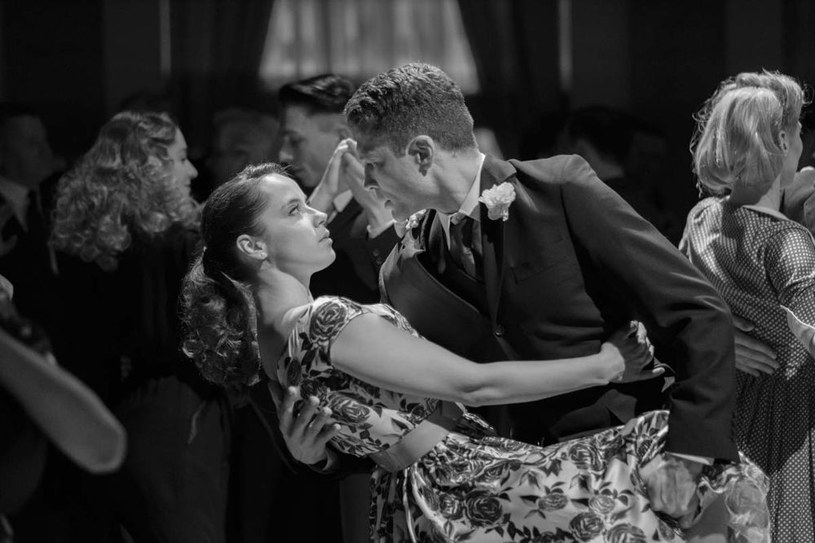"""Główną rolę żeńską w filmie """"Pan T."""" reżyser Marcin Krzyształowicz powierzył Marii Sobocińskiej. Ta 25-letnia aktorka dopiero rozpoczyna karierę, ale jej nazwisko fanom kina na pewno wydaje się znajome. Maria pochodzi bowiem z rodziny wybitnych operatorów filmowych."""
