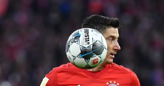 Operacja przepukliny pachwinowej, której poddał się w sobotni wieczór Robert Lewandowski, przebiegła pomyślnie - taką informację przekazał klub polskiego napastnika Bayern Monachium. Zawodnikowi zalecono kilka dni odpoczynku.