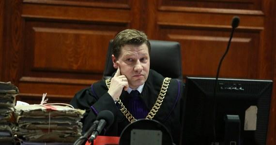 """Rzecznik Dyscyplinarny sędzia Piotr Schab skierował wnioski do Izby Dyscyplinarnej Sądu Najwyższego o zawieszenie w czynnościach służbowych czwórki sędziów. """"Rzecznicy dyscyplinarni będą konsekwentnie podejmować działania wobec sędziów biorących udział w anarchizacji prawa"""" - poinformował zastępca Rzecznika Dyscyplinarnego Sędziów Sądów Powszechnych Przemysław Radzik."""