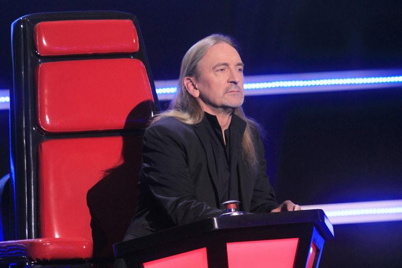 """Gwiazda polskiego rocka. Ma niezwykłą charyzmę. Mówi, że dostrzegł w uczestnikach """"The Voice Senior"""" ogromną wartość. Uważa, że dojrzałość i wynikająca z niej odpowiedzialność są piękne."""