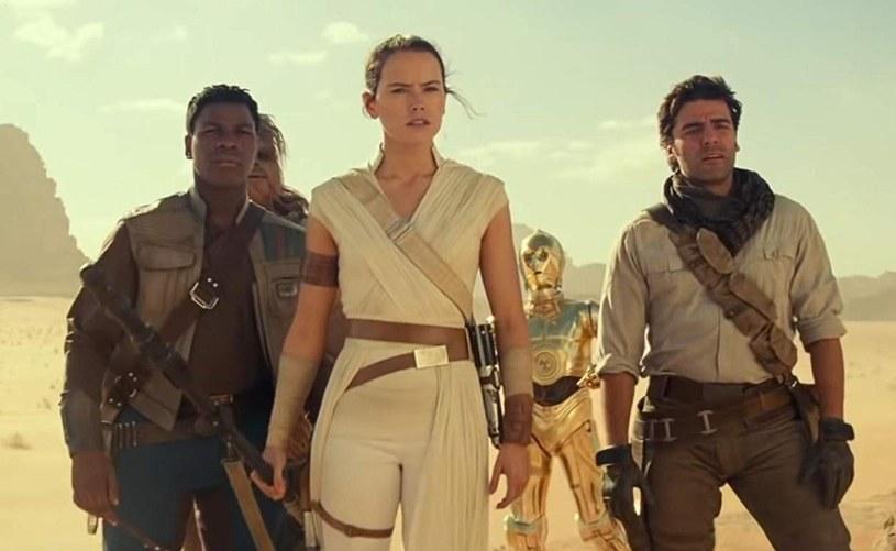 """Już wiadomo, ile osób obejrzało w premierowy weekend w polskich kinach najnowszą odsłonę """"Gwiezdnych wojen"""" o podtytule """"Skywalker. Odrodzenie""""."""