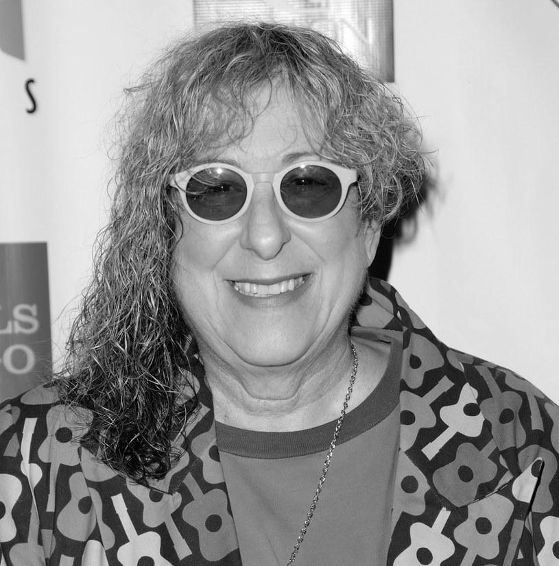 """Allee Willis – autorka piosenek znana ze współpracy z zespołem Earth, Wind & Fire (napisała dla nich utwór """"September"""") oraz stworzenia hitu promującego serial """"Przyjaciele"""" """"I'll Be There For You"""" – zmarła 24 grudnia w wieku 72 lat."""