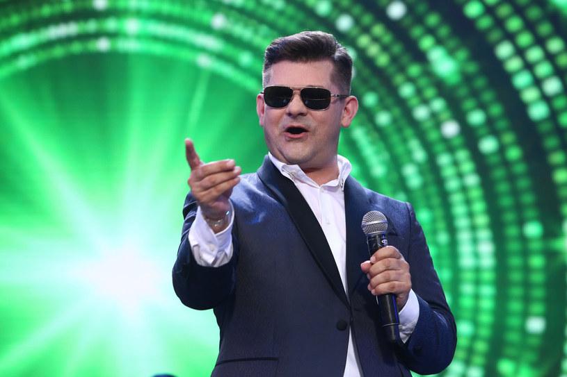 W drugi dzień świąt Bożego Narodzenia na antenie TVP2 pokazano benefis gwiazdy disco polo, Zenka Martyniuka.