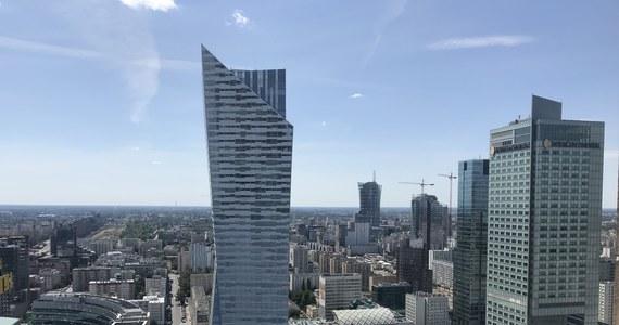 17 mln zł - tyle kosztowały dwa połączone apartamenty w zrewitalizowanej kamienicy w centrum Warszawy. To rekord Polski w 2019 r. Według danych serwisu urban.one, w tym samym budynku sprzedano drugie najdroższe mieszkanie - za 11,5 mln zł.