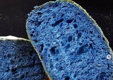Brazylia: Niebieskie jedzenie zalało cały kraj