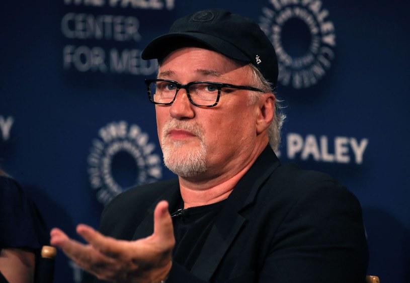 """Wśród autorów najbardziej oczekiwanych filmów przyszłego roku jest również David Fincher, którego ostatnim dziełem była """"Zaginiona dziewczyna"""" z 2014 roku. Autor """"Siedem"""" i """"Zodiaka"""" jest w trakcie zdjęć do filmu biograficznego, poświęconego powstawaniu """"Obywatela Kanea"""". """"Mank"""", bo taki będzie nosił tytuł, będzie dostępny na platformie Netflix."""