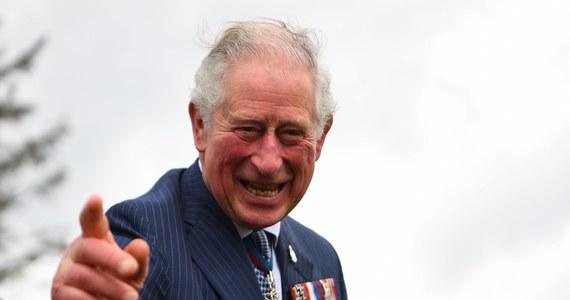 Następca brytyjskiego tronu, książe Karol, najciężej pracującym członkiem rodziny królewskiej. To wynik zestawienia przygotowanego w Wielkiej Brytanii przed nadejściem nowego roku.