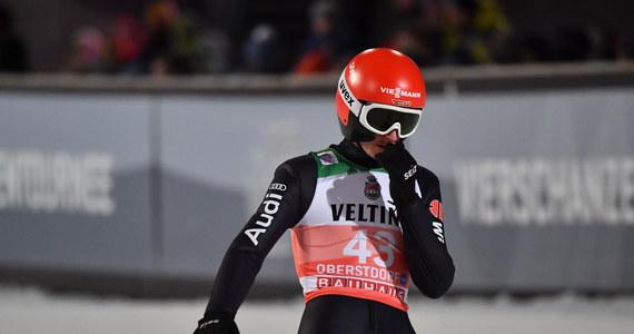 Richard Freitag zakończył już udział w obecnej edycji Turnieju Czterech Skoczni - poinformował trener Niemców Stefan Horngacher. 28-letni zawodnik odpadł w kwalifikacjach pierwszej odsłony zmagań w Oberstdorfie i zabrakło go w obsadzie niedzielnych zawodów.