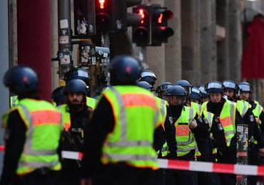 Zamieszanie przy Checkpoint Charlie w Berlinie. Nie potwierdziły się informacje o strzałach