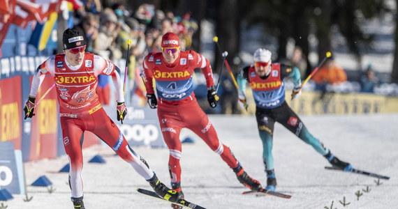 Therese Johaug wygrała bieg narciarski na 10 km techniką dowolną we włoskim Dobbiaco, trzeci etap 14. edycji Tour de Ski. Norweżka została liderką klasyfikacji łącznej imprezy. Izabela Marcisz, najlepsza z Polek, zajęła 36. miejsce.