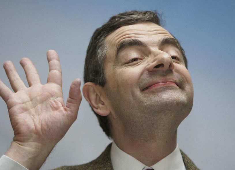 """Słynny brytyjski aktor komediowy Rowan Atkinson został wytypowany przez fanów """"Peaky Blinders"""" do wcielenia się w postać Adolfa Hitlera w kolejnym sezonie tej popularnej produkcji. O tym, że miłośnicy serialu widzą Jasia Fasolę w roli przywódcy Trzeciej Rzeszy, poinformował portal express.co.uk."""