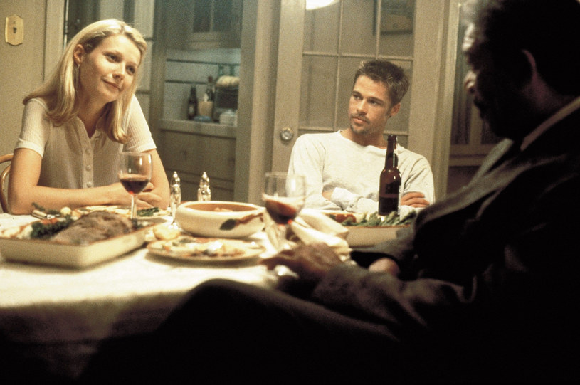 """Pod koniec lat 90. byli w sobie zakochani, a nawet się zaręczyli. Potem było rozstanie, po którym się unikali. Dziś, po wielu latach od tamtej chwili, Gwyneth Paltrow i Brad Pitt znów pozostają w przyjaznych stosunkach. """"Nie żywię urazy, nie ma między nami waśni"""" - przekonuje aktorka."""