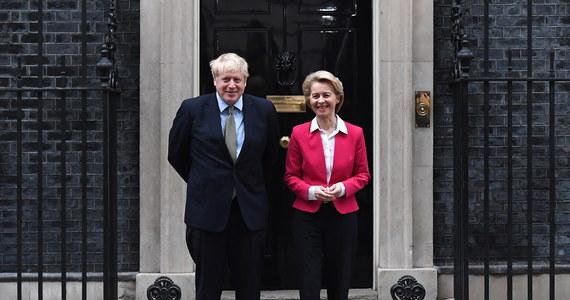 Brytyjski premier Boris Johnson podczas środowego spotkania w Londynie z przewodniczącą Komisji Europejskiej Ursulą von der Leyen potwierdził, że jego kraj nie zwróci się o przedłużenie okresu przejściowego po wystąpieniu z UE.