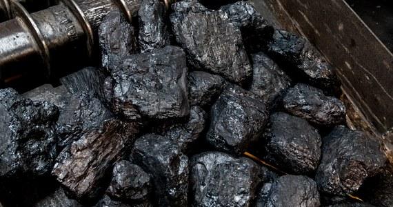 Sierpień 80 grozi blokadą torów na przejściach granicznych, by zatrzymać import węgla. Górnicy z kopalni zespolonej ROW alarmują: na zwałach leżą rekordowe ilości surowca.
