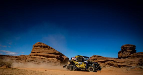 Startujący w kategorii lekkich pojazdów UTV Aron Domżała i Maciej Marton wygrali 5. etap Rajdu Dakar w Arabii Saudyjskiej. Szybsza od Polaków o 41 sekund była załoga Francuza Cyrila Despres, ale nie jest ona uwzględniana w klasyfikacjach, bo korzysta z tzw. jokera.