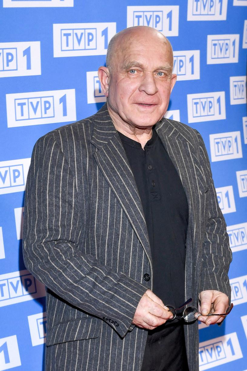 """Henryk Talar, który zagrał w wielu sensacyjnych produkcjach, w nowym serialu TVP kreuje tytułową postać policyjnego archiwisty. Choć w """"Archiwiście"""" nie zabraknie scen akcji oraz wątków sensacyjnych, będzie też sporo pogłębionych portretów psychologicznych. """"To jest ballada o człowieku"""" - mówi odtwórca głównej roli."""