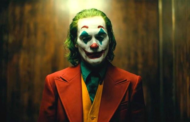 """""""Joker"""" Todda Phillipsa otrzymał najwięcej, bo aż jedenaście, nominacji do Oscarów 2020. Zaledwie o jedną nominację mniej mają trzy inne produkcje: """"1917"""" Sama Mendesa, """"Pewnego razu... w Hollywood"""" Quentina Tarantino oraz """"Irlandczyk"""" Martina Scorsese."""
