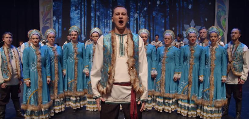 """Ponad 1,5 mln odsłon ma już cover piosenki """"Toss A Coin To Your Witcher"""" z serialu """"Wiedźmin"""" w wykonaniu chóru z rosyjskiego Omska."""