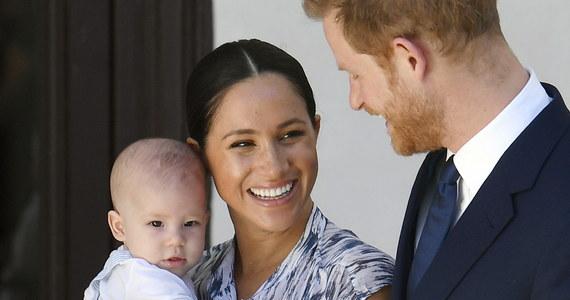 Kto będzie odpowiedzialny za bezpieczeństwo Harry'ego i Meghan, gdy książęca para zamieszka w Kanadzie? Wczoraj brytyjska królowa Elżbieta II zgodziła się na zmianę ich roli w rodzinie królewskiej. Premier Kanady Justin Trudeau nie wyklucza, że pokryje koszty związane z ochroną, ale, jak podkreśla, wiele kwestii pozostaje do ustalenia.