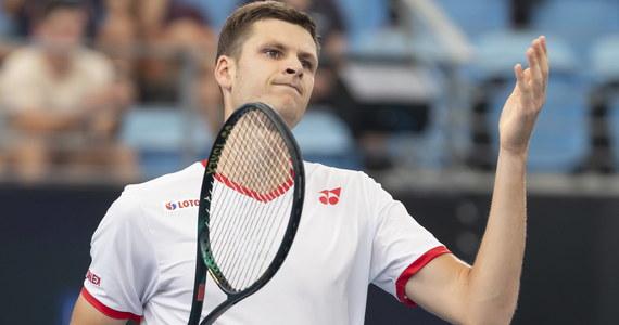 Hubert Hurkacz pokonał Szweda Mikaela Ymera 6:2, 7:6 (7-2) i awansował do ćwierćfinału turnieju ATP na twardych kortach w Auckland (pula nagród 610 tys. dol.). Polski tenisista pozostaje niepokonany w tym roku.
