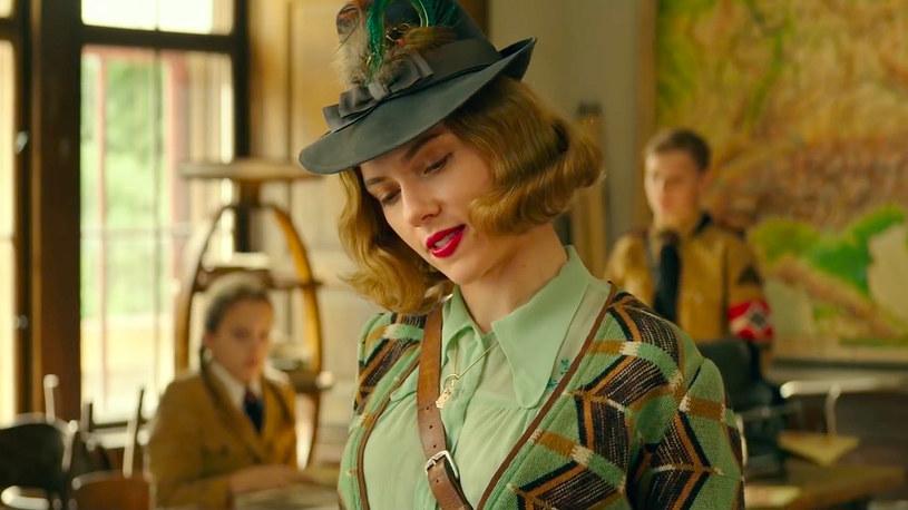 """Jeszcze 12 stycznia tego roku Scarlett Johansson nie mogła pochwalić się żadną nominacją do Oscara. Dzień później miała już dwie. Popularna aktorka ma szansę na statuetkę za najlepszą pierwszoplanową rolę w filmie """"Historia małżeńska"""" oraz za najlepszą drugoplanową rolę w """"Jojo Rabbit""""."""