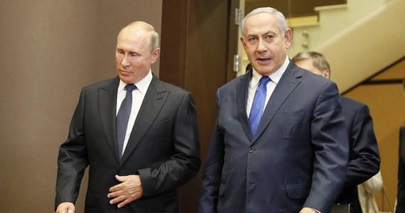 """Prezydent Rosji Władimir Putin rozmawiał telefonicznie z premierem Izraela Benjaminem Netanjahu. Obie strony """"podkreśliły wagę zachowania prawdy historycznej o wydarzeniach II wojny światowej i niedopuszczalność rewizji jej wyników"""" - podał Kreml."""