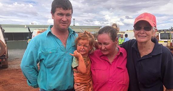 Szczęśliwy finał poszukiwań zaginionego dziecka na dotkniętym powodzią terenie zachodniej Australii. Po 24 godzinach odnaleziono 3-letnią dziewczynkę i jej psa. Była 3 km od domu.