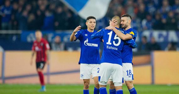25 dni czekali fani niemieckiej piłki na powrót Bundesligi. Pierwszy mecz już dziś. O 20:30, Schalke podejmie na własnym stadionie wicelidera - Borussię Mönchengladbach. Miniona runda niemieckiej ekstraklasy była bardzo ciekawa. Mało kto spodziewał się raczej, że liderem po 17 kolejkach będzie zespół z Lipska. Szansy na prowadzenie nie wykorzystały Bayern Monachium i Borussia Dortmund, które miały spore problemy.