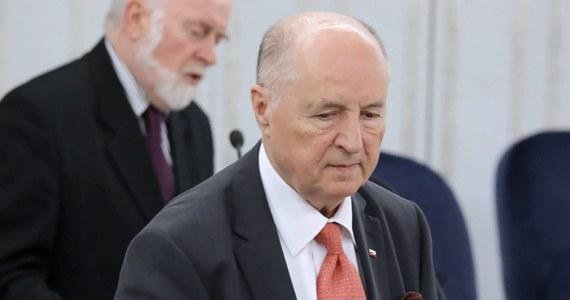"""Partia rządząca chce rozszerzenia składu prezydium Senatu. Opozycja nie chce o tym słyszeć - pisze środowa """"Rzeczpospolita""""."""