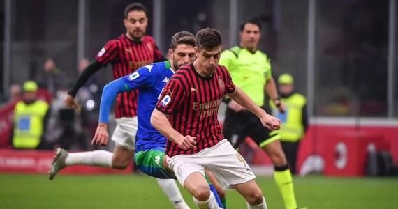 """AC Milan stawia ultimatum Krzysztofowi Piątkowi – podaje """"Tuttosport"""". Według doniesień dziennika polski napastnik ma zdecydować czy godzi się na pełnienie roli rezerwowego, czy odchodzi z klubu z Lombardii."""