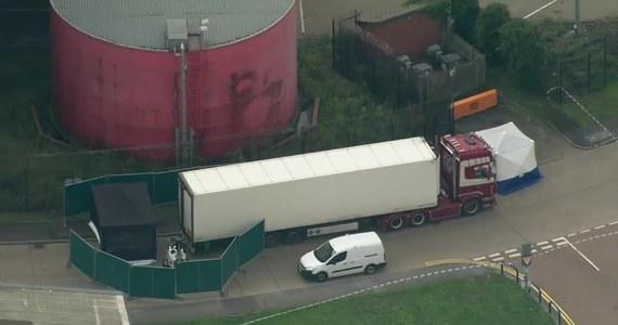 Sąd w Dublinie wyraził zgodę na ekstradycję pochodzącego z Irlandii Północnej Eammona Harrisona w związku z toczącą się w Wielkiej Brytanii sprawą śmierci 39 wietnamskich migrantów, którzy zamarzli w kontenerze chłodni umieszczonym na naczepie ciężarówki.