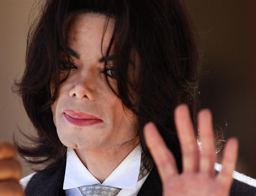 Pod koniec stycznia 1984 roku Michael Jackson wziął udział w nagraniach spotu reklamowego marki Pepsi. Po latach okazało się, że ten dzień zmienił króla popu na zawsze.