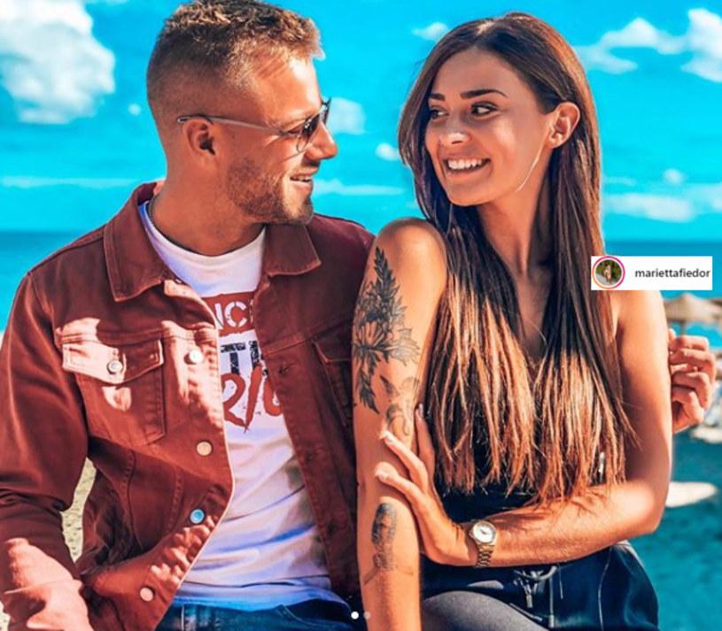"""Marietta i Franek, czyli para, która była o krok od wygrania pierwszej edycji programu """"Love Island. Wyspa miłości"""" właśnie się rozstała. O swojej decyzji poinformowali za pośrednictwem mediów społecznościowych."""