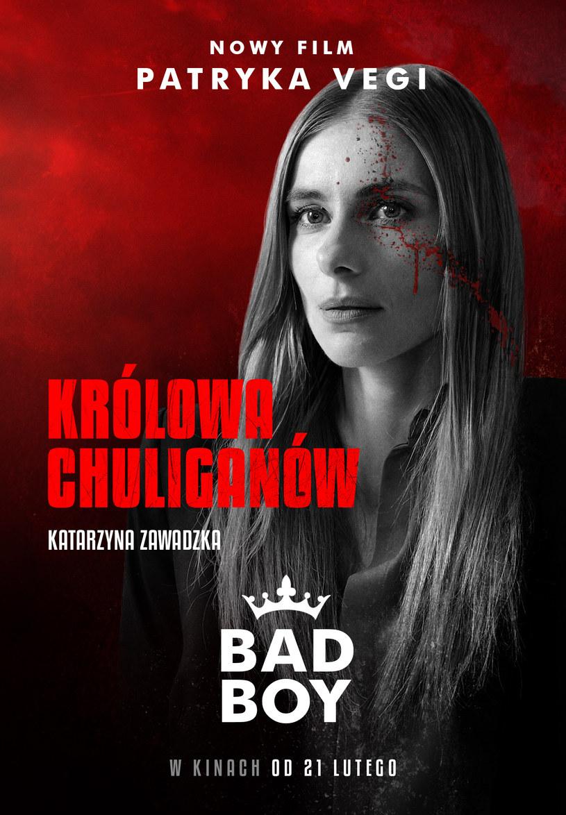 """Z taką kobietą u boku można wejść na sam szczyt... albo spaść na samo dno. Katarzyna Zawadzka wciela się w bezwzględną femme fatale w najnowszym filmie Patryka Vegi """"Bad Boy""""."""