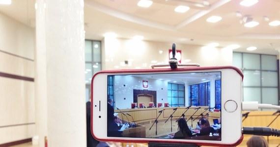 Krajowa Rada Sądownictwa wybrała właśnie kandydatów, których rekomenduje prezydentowi na stanowiska sędziów Izby Dyscyplinarnej Sądu Najwyższego. Wcześniej rada odrzuciła wniosek o odroczenie wyboru do czasu wyroku Trybunału Konstytucyjnego w sprawie sporu kompetencyjnego, związanego z działaniem Rady.