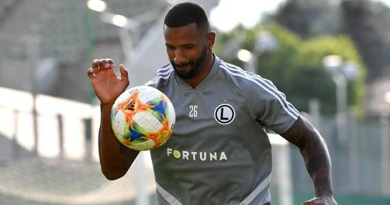 Legia Warszawa sprzedała Cafu do Olympiakosu Pireus. Kwoty transferu nie ujawniono, ale według medialnych szacunków stołeczny klub za 26-letniego portugalskiego piłkarza otrzymał 400 tysięcy euro.