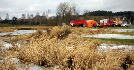 Policjanci ze Świebodzina w woj. lubuskim wyjaśniają okoliczności śmierci 53-latka. Mężczyzna podczas nurkowania w jednym z jezior w Łagowie nie wynurzył się z wody.