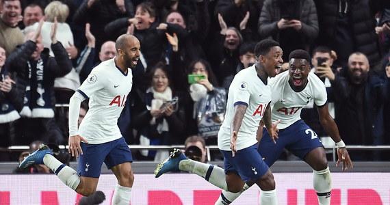 Tottenham wygrał z wiceliderem Manchesterem City 2:0 w meczu 25. kolejki angielskiej ekstraklasy. Piłkarze gości od 60. minuty, gdy jeszcze było 0:0, musieli grać w dziesiątkę, a wcześniej nie wykorzystali rzutu karnego. Do lidera Liverpoolu tracą już 22 punkty.