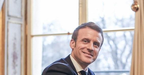 Prezydent Francji Emmanuel Macron od poniedziałku będzie przebywał z dwudniową oficjalną wizytą w Polsce. Spotka się z prezydentem Andrzejem Dudą oraz z premierem Mateuszem Morawieckim. Głównymi tematami rozmów Macrona i Dudy będą: NATO, relacje z Ukrainą oraz przyszłość Trójkąta Weimarskiego.