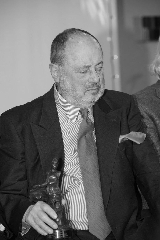 6 lutego na Cmentarzu Wojskowym na Powązkach odbędzie się ceremonia pogrzebowa Macieja Putowskiego - wielokrotnie nagradzanego scenografa, współpracującego m.in. z Wajdą, Zanussim i Hasem.