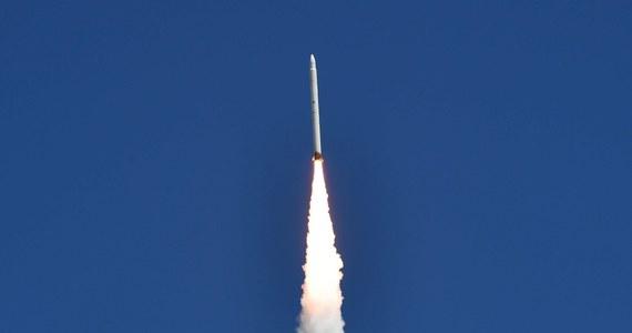 Irańskie władze zapowiedziały, że do końca tygodnia wystrzelą na orbitę okołoziemską satelitę Safir (pers. ambasador). Amerykanie łączą tę próbę z rozwojem przez Iran programów militarnych.